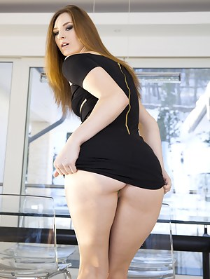 Redhead princess is taking off her dress and getting her ass hole penetrated from behind. Her lover is also presenting her with rough oral sex.