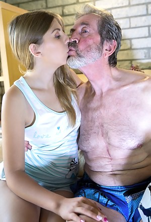 Best Teen Kissing Porn Pictures